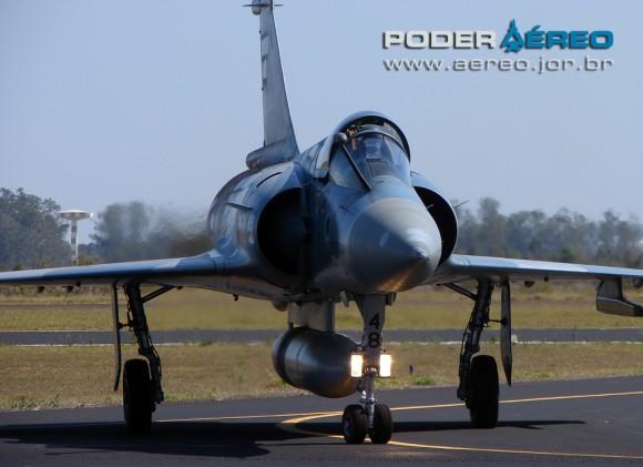 domingo aereo AFA 2011 - Mirage 2000C 4 - foto Poggio