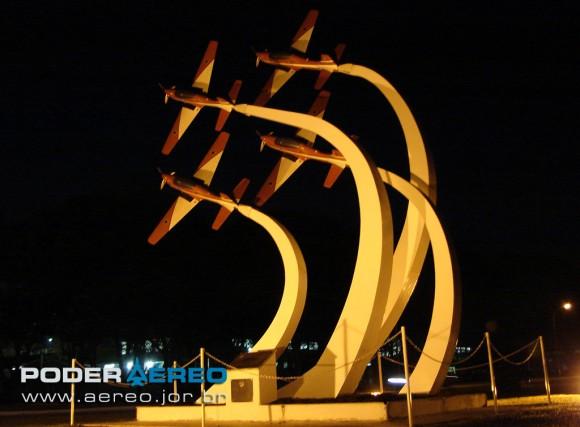 domingo aereo AFA 2011 monumento Fumaca - foto Poggio 863