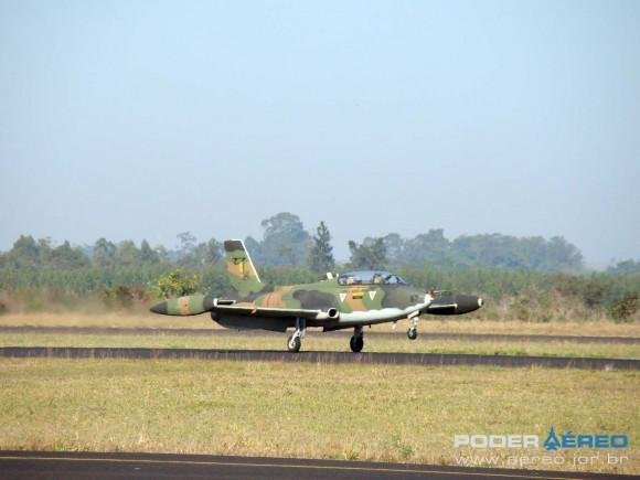 AT-26 4467 do atual IPEV em Pirassununga em agosto de 2011 - foto Nunão - Poder Aéreo