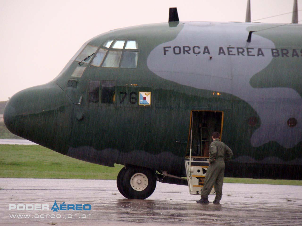 C-130 da FAB no Portões Abertos 2011 DCTA - foto Nunão - Poder Aéreo