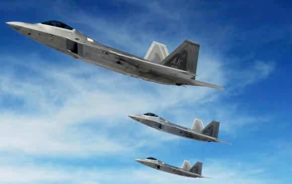 F-22 em formação - foto  USAF