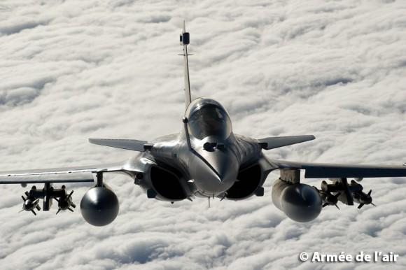 Rafale com armamento ar-solo - foto Força Aérea Francesa