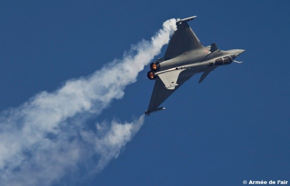 Rafale no Dubai Airshow 2011 - foto Força Aérea Francesa