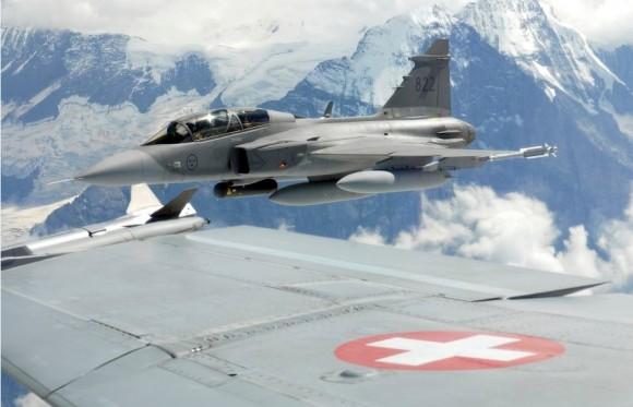 Gripen em avaliação na Suíça - foto Força Aérea Suíça via Saab