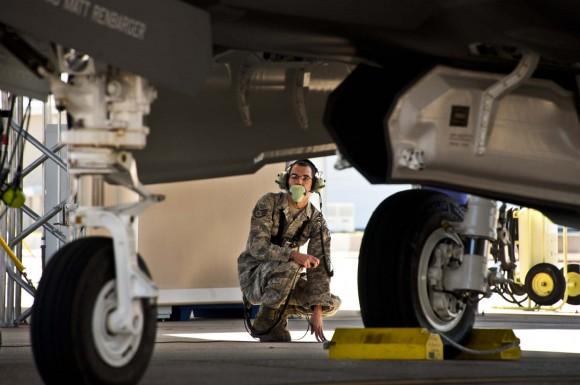 F-35 - primeiro voo de treinamento em Eglin - foto USAF