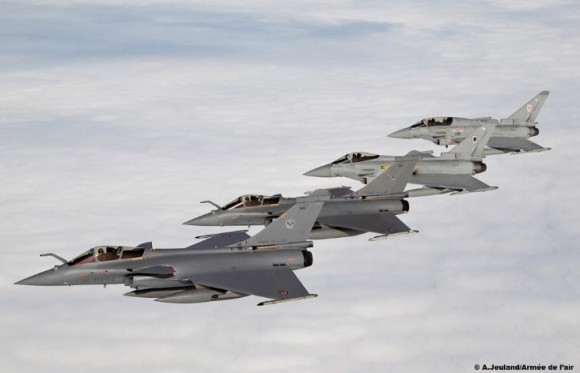 caças Typhoon e Rafale em treinamento sobre a França - foto 2 Armée de lair