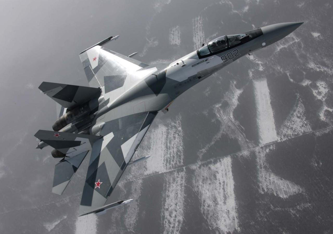 Su-35 - foto Sukhoi