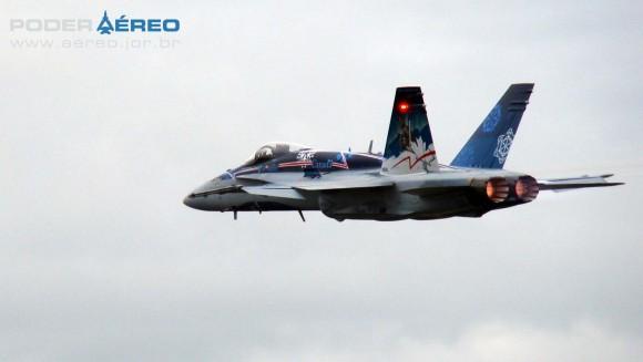 EDA 60 anos - CF-18 Hornet apresentação 2 sábado -  foto 5 Nunão - Poder Aéreo