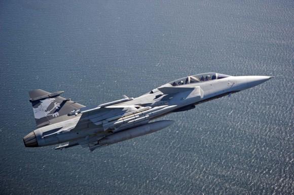 Gripen NG Demo com mísseis Meteor e IRIS T em testes pelos suíços - foto Saab