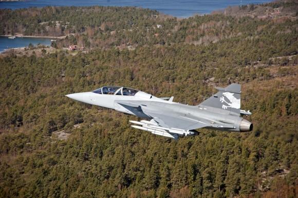 provas de voo na aeronave de testes do Gripen E/F por delegação suíça - foto 2 Saab