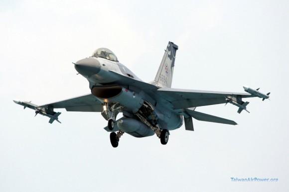 F-16 A Taiwan - foto J Tu - TaiwanAirPower