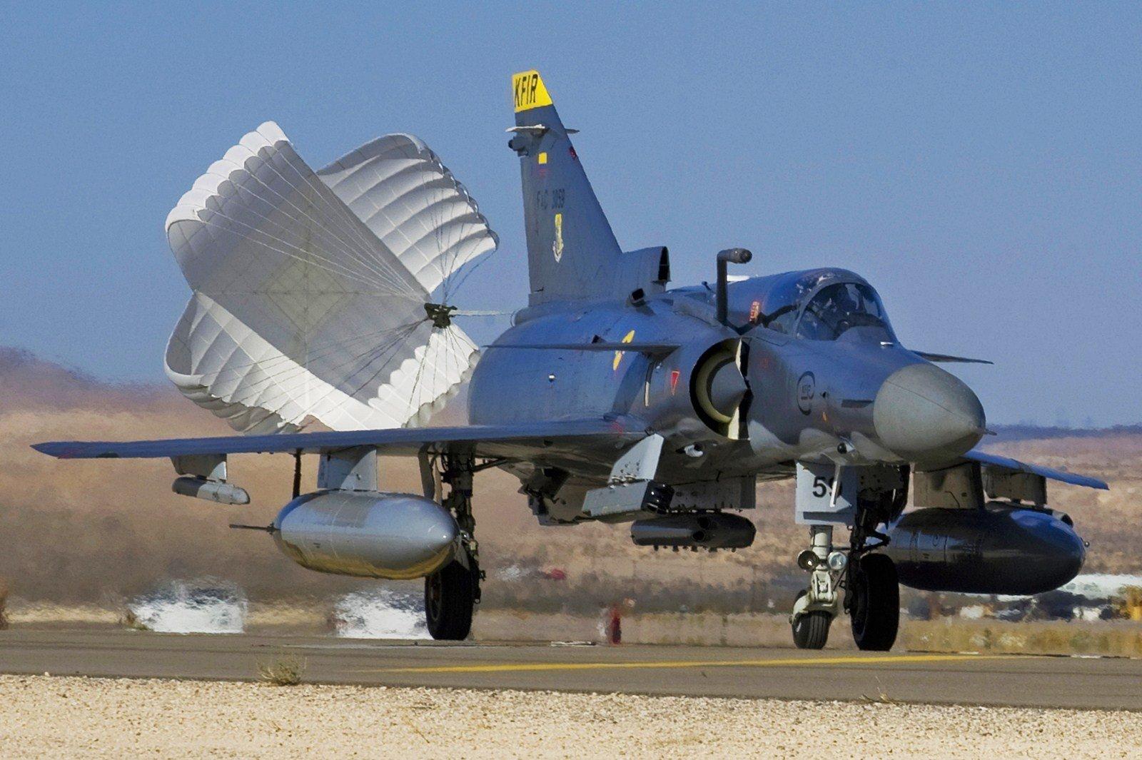 Vídeo: Kfir Block 60 - Poder Aéreo - Forças Aéreas