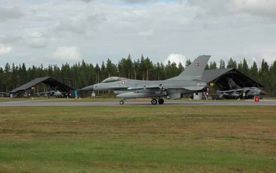 F-16 da Dinamarca no Nordic Air Meet 2012 - foto Forças Armadas Suecas