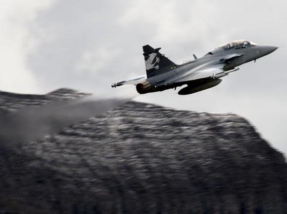 Axalp 2012 - Gripen F - foto AFP via Terra