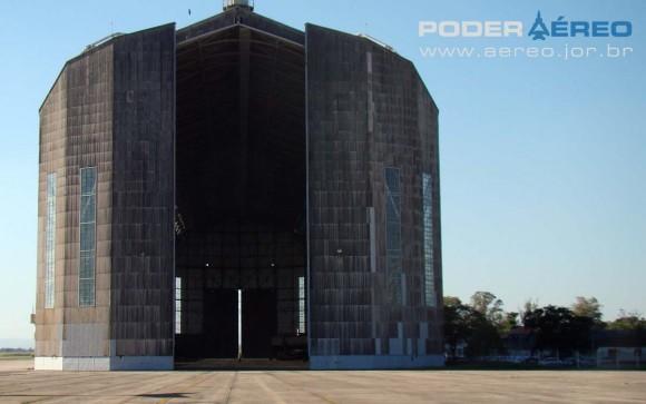 Hangar do Zeppelin na Base Aérea de Santa Cruz - foto Nunão - Poder Aéreo