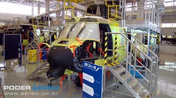 Helibras - inauguração nova fábrica 2-10-2012 -  linha de montagem EC725 - foto Nunão - Poder Aéreo