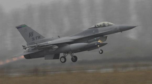 F-16 da 31FW de Aviano - foto USAF