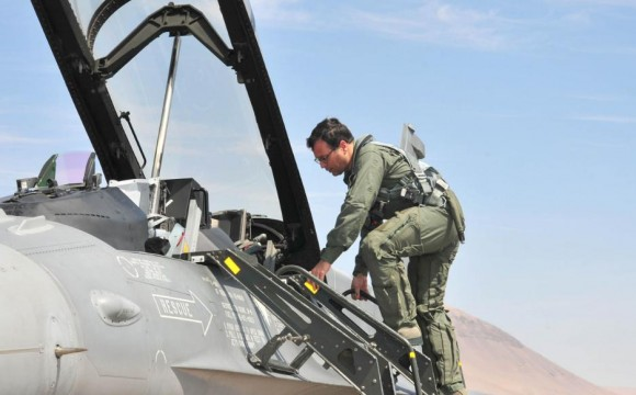 MD do Chile sobe em F-16D Block 50 - foto FACh
