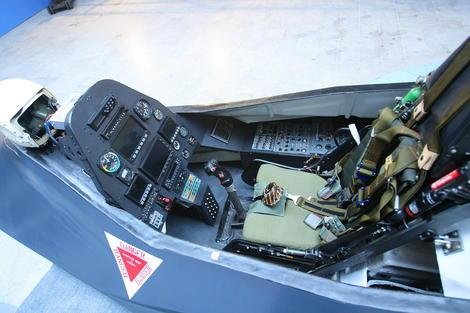 Q-313-cockpit - via The Aviationist