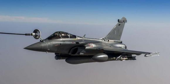 Rafale em REVO para operações no Mali - foto Min Def França