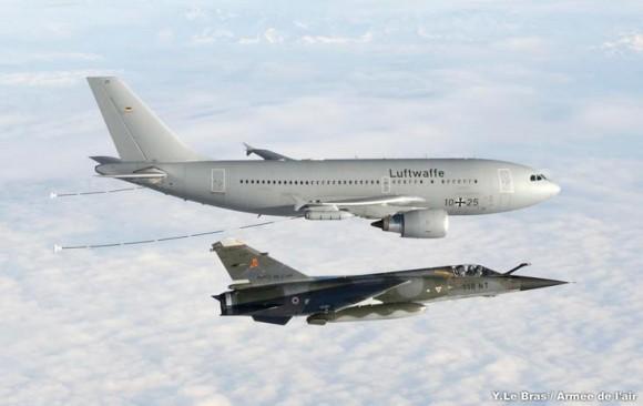 A310 MRTT e Mirage F1 - foto Força Aérea Francesa