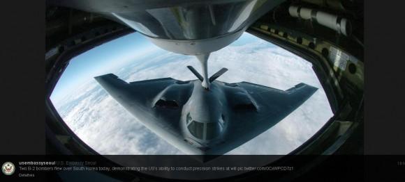 B-2 reabastece em voo - mensagem de twitter da Embaixada dos EUA em Seoul