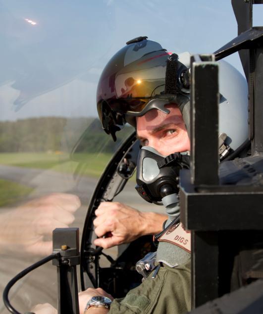 Capitão Jeffery Thomason do 44thFS em seu F-15 - foto USAF