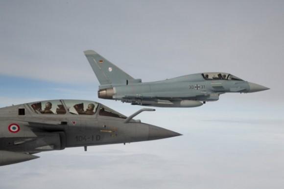 Eurofighter Typhoon e Rafale em formação - foto 2 Força Aérea Alemã