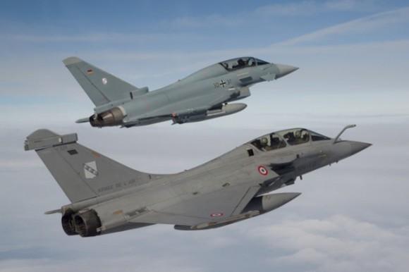 Eurofighter Typhoon e Rafale em formação - foto Força Aérea Alemã
