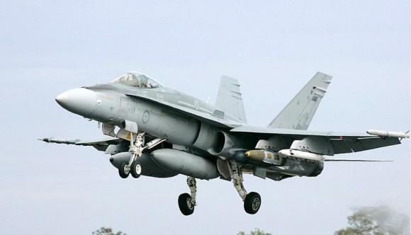 F-18 Hornet da Austrália com JDAM de 2000 libras - foto MD Australia