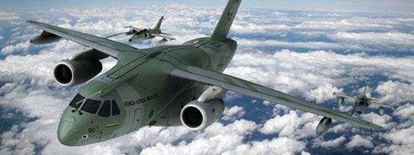 KC-390 reabastecendo jatos A-1 - imagem Embraer