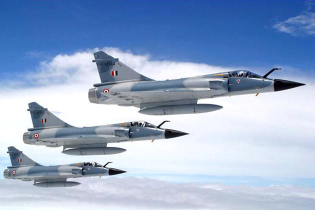 Caças Mirage 2000 da Força Aérea Indiana