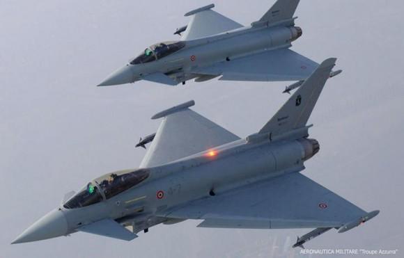 caças Eurofighter da Força Aérea Italiana - foto Força Aérea Francesa