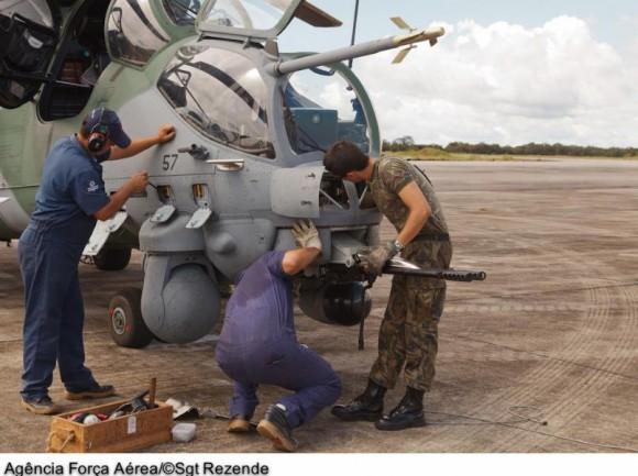 AH-2 Sabre em exercícios de tiro - foto 2 FAB