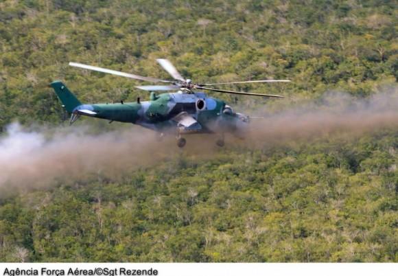 AH-2 Sabre em exercícios de tiro - foto FAB