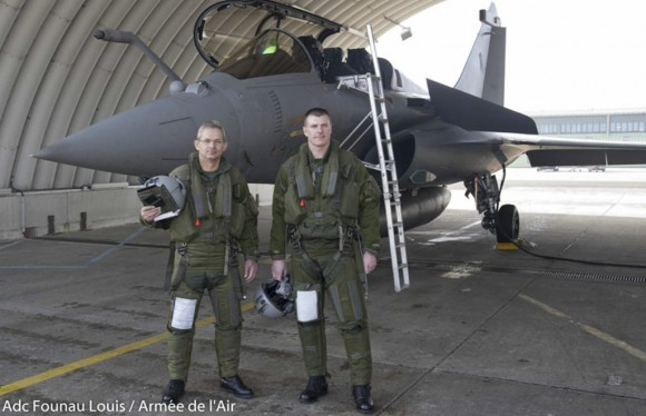 Denis Mercier - chefe do Estado Maior Armee de lair - voo no Rafale - foto Força Aérea Francesa