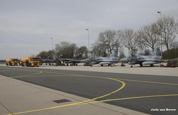Mirage F1CR e Mirage 2000C franceses no Frisian Flag - foto via Força Aérea Francesa