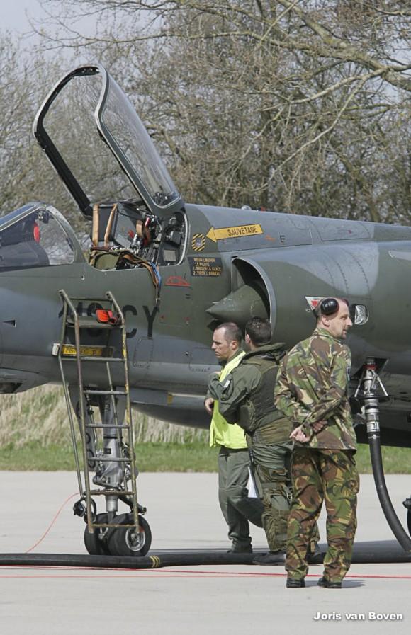 Mirage F1CR francês é reabastecido no Frisian Flag na Holanda - foto via Força Aérea Francesa