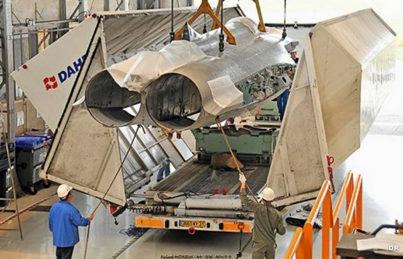 Primeira fuselagem de Rafale F1 transformada para receber equipamentos F3 - foto Força Aérea Francesa