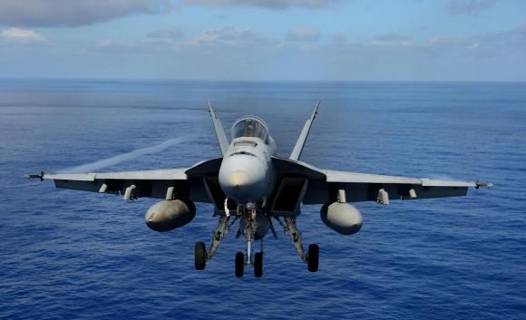Super Hornet esquadrão Tophatters - foto 4 USN