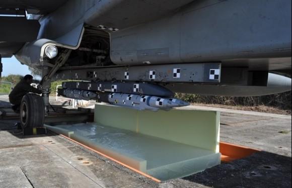 Tornado IDS com SDB para testes - foto Força Aérea Italiana
