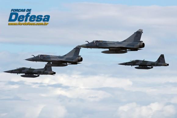 dia da aviacao de caca 2013 Mirage e F-5 passagem baixa - foto 2 poggio