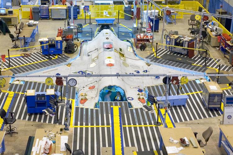 linha de montagem do F-35 - foto 2 jsfmil
