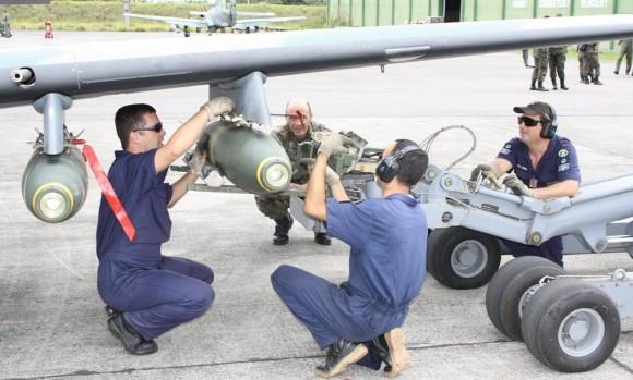 A-29 da FAB emprega pela primeira vez 4 bombas em Cachimbo - foto 2 FAB
