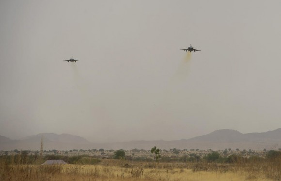 Caças Rafale desdobrados em Abéché no Chade - foto 2 Força Aérea Francesa