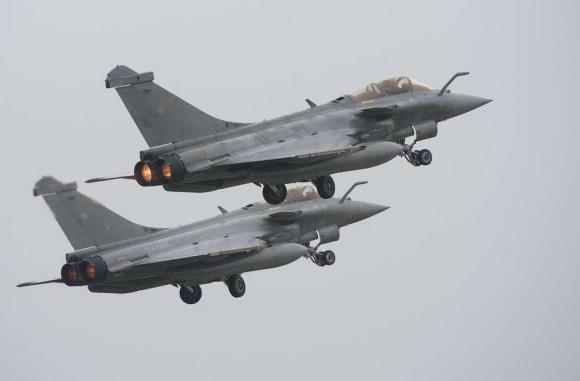 Dois caças Rafale Marine na Semana de Defesa Aérea - foto Marinha Francesa