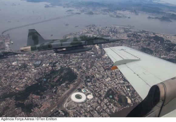 Exercício interceptação para Copa das Confederações - foto Ten Enilton Ag Força Aérea - FAB