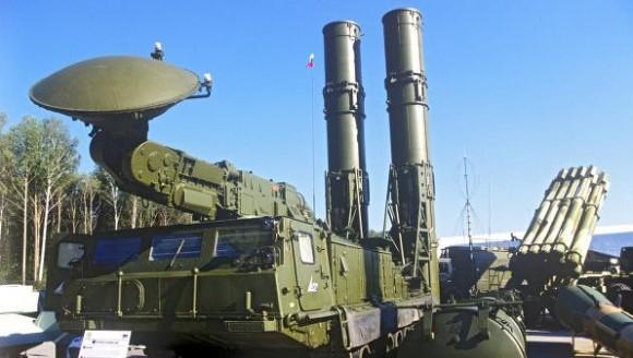 S-300 sistema de mísseis superfície-ar - foto via Ria Novosti