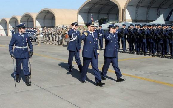 65 anos do 8 Grupo de Aviação do Chile - F-16MLU atual e Mirage histórico ao fundo - foto FACh
