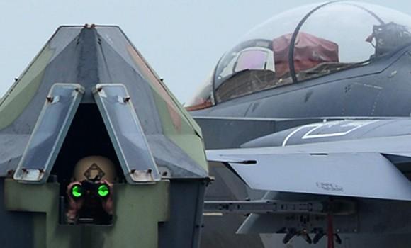 A torreta e o canopi - detalhe foto USAF